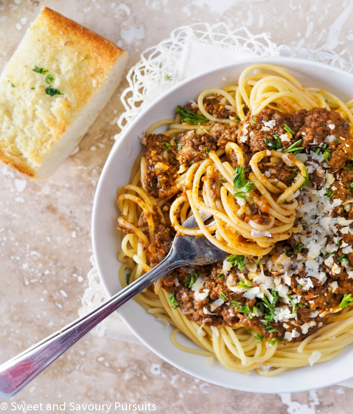 Simple Meaty Spaghetti Recipe: Sweet And Savoury Pursuits